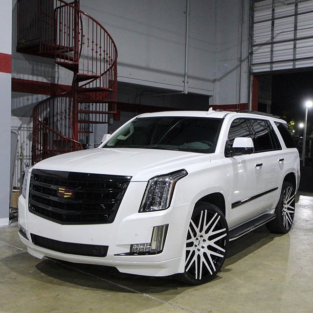 Buy Used Cadillac Escalade: Cadillac Escalade... Color Keyed White, All Accents Painted