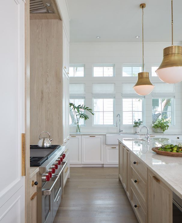 25 Beautiful Kitchen Colors With Light Oak Cabinets