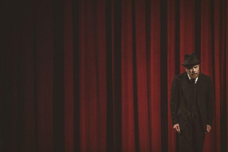 Sei personaggi in cerca d'autore di LUIGI PIRANDELLO, regia di GABRIELE LAVIA, scene ALESSANDRO CAMERA, costumi ANDREA VIOTTI, musiche GIORDANO CORAPI, dal 05 al 24 gennaio 2016 | Ph. Patrizio Cocco