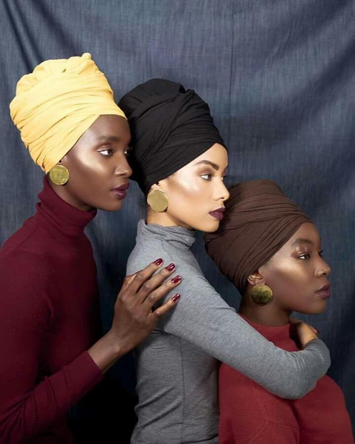 Editor's #Style Picks - 3 Women X 3 Different headwrap colours ❤️❤️  #ZenMagazine | www.zenmagazineafrica.com  Creative direction/photography by @findingpaola for @fanmdjanm⠀ Models: @shartutu \ @devrivelazquez | @nappyese⠀ Makeup artist: @laneamua⠀