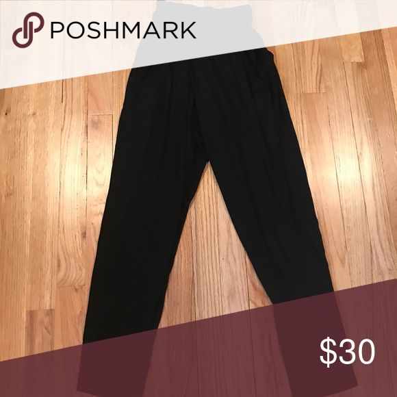 Cotton jogger - Rachel Pally Black cotton, jogger with pockets at the hip-so soft!! Dress up or down! Rachel Pally- like new. Rachel Pally Pants Track Pants & Joggers