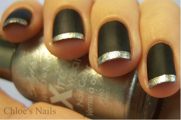 Chloe's Nails: Matte Black with Glitter tips