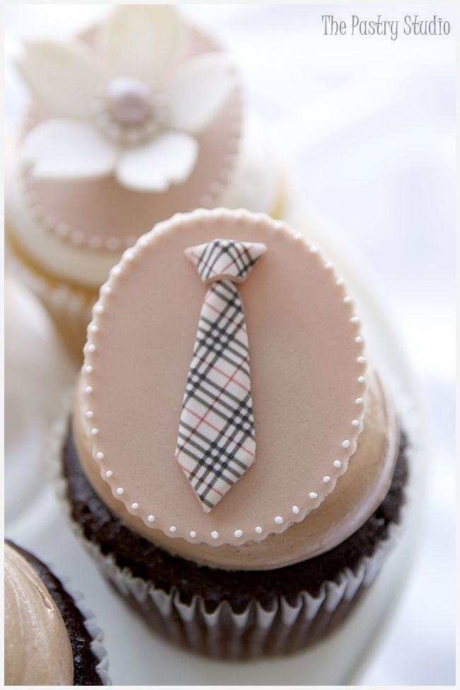 Burberry Tie Cupcakes