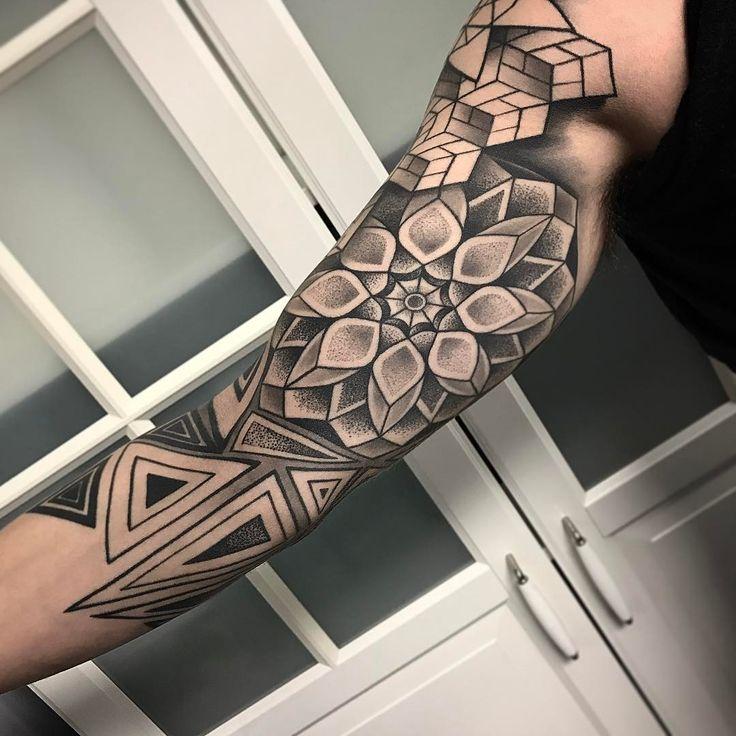 Geometric arm piece