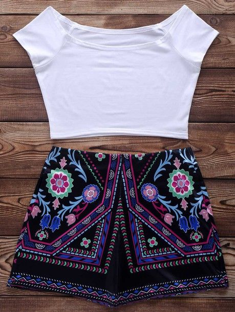 Wheretoget - White crop top and black floral print shorts
