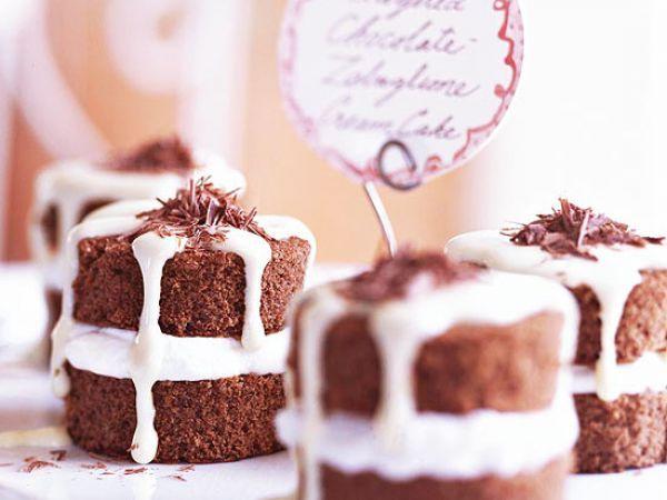 Слоеные шоколадные пирожные с кремом (забаглионэ)