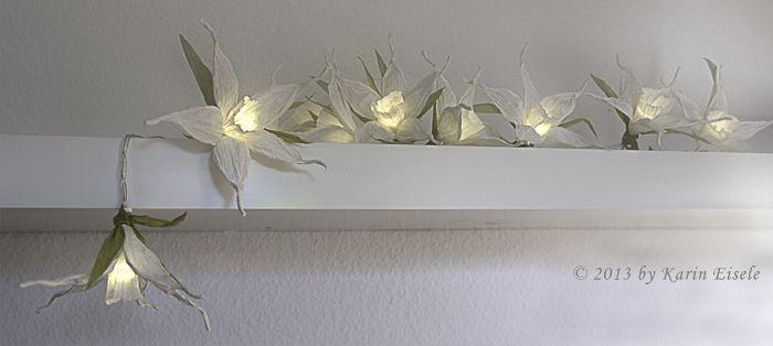Weiße Narzissen Lichterkette - von Papiergarn Studio