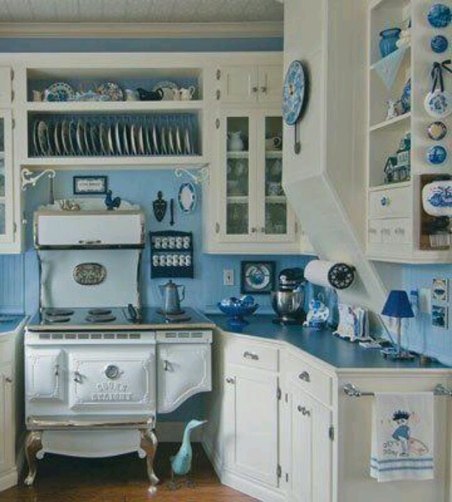 Blue & white country kitchen  Living in the Country!!  Pinterest