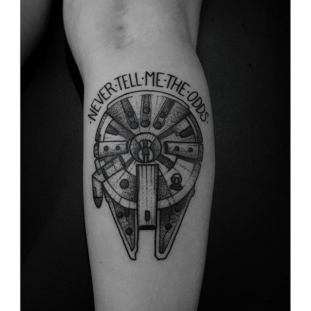 Millenium Falcon for Maria Eliza. Feliz como tatuador e fã em poder fazer essa. #tattoo #tatuagem ...