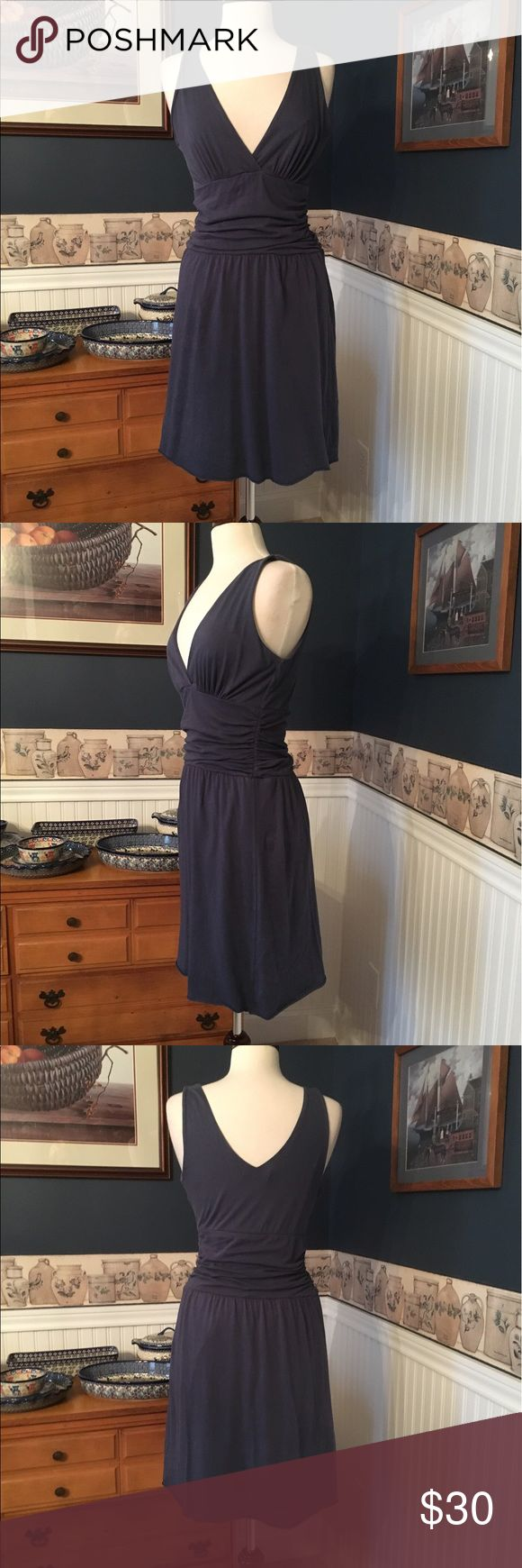 Velvet by Graham & Spencer Dress Size Medium Velvet by Graham & Spencer cotton dress in very good previously worn condition. Super soft and comfy! Size Medium . The dress looks more blue in person. Velvet by Graham & Spencer Dresses Midi