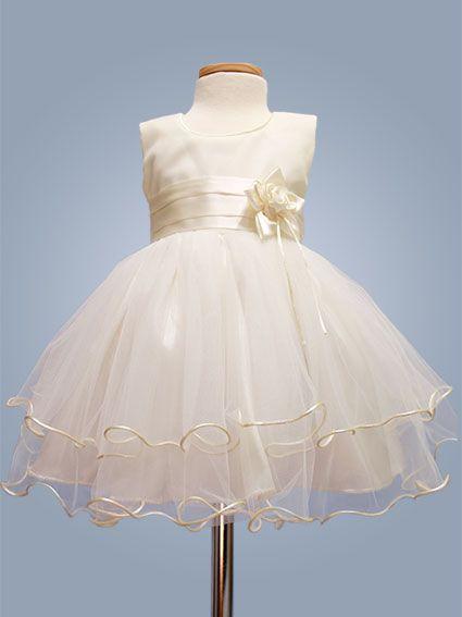 Vestido de bautizo - Voluminoso - Color Marfil.