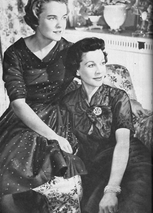 Vivien Leigh and her daughter