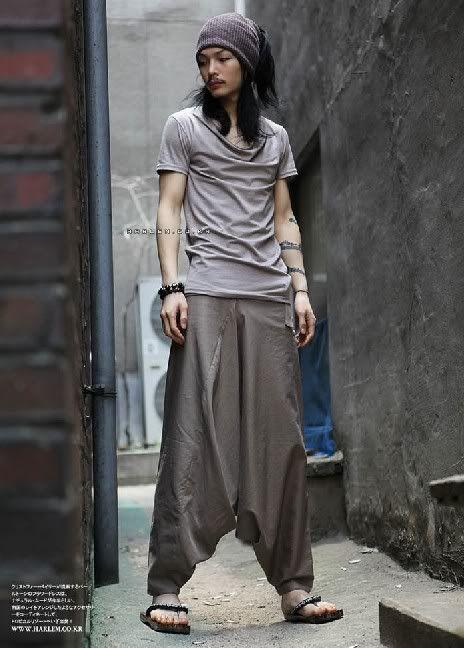 Japanese Samurai Style Mens Khaki Harem Pants. Post-apocalypse clothing / fashion / post-apocalyptic wear / male / dystopian / menswear / men's / style / looks