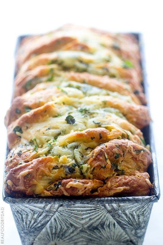 Easy Cheese and Roasted Garlic Pull-Apart Bread with Real Food by Dad