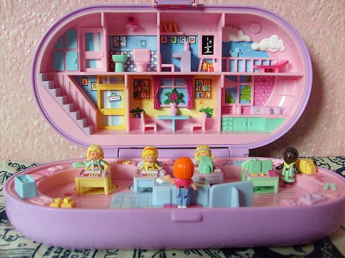 omg... i totally still have this polly pocket from my childhood along with MANY others