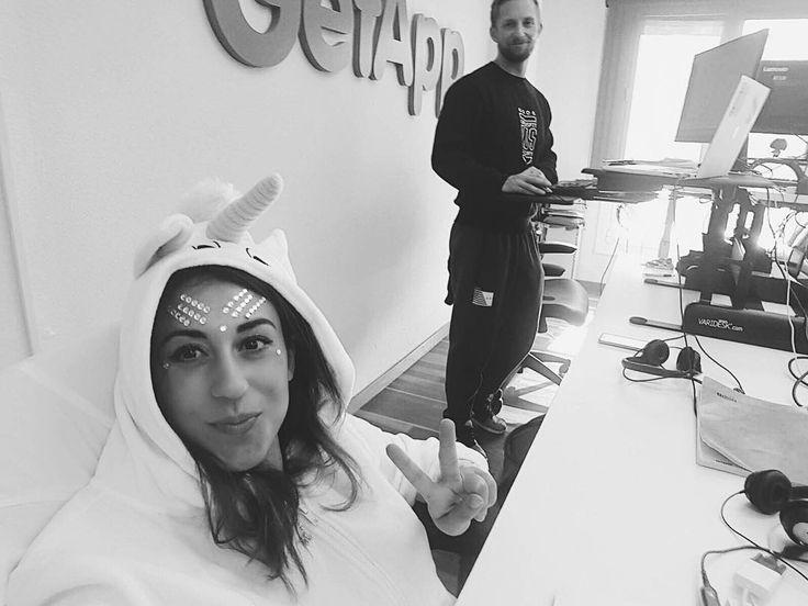 (#EmployeeTakeover by @cleopatra_mammis) #Halloween throwback at @getappcom with some Glitter and Unicorn  . . . . . . . #halloweencostume #halloween #day #office #colleagues #unicorn #wansie #crossfit #barcelonagram #spain #workgoals #happyme #picoftheday #instagramers #glitter #costume #instalike #october #getapp #LifeAtGetApp #employee #fun #humansofgetapp #gartner #advisor