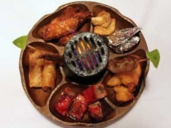 The pu-pu-platter, this is so tasty.