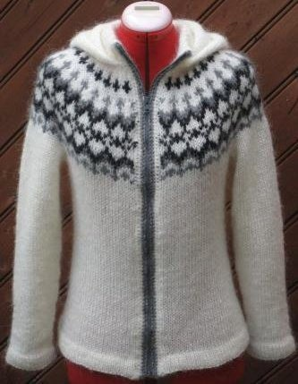 Handknitted wool sweater 100% lopi