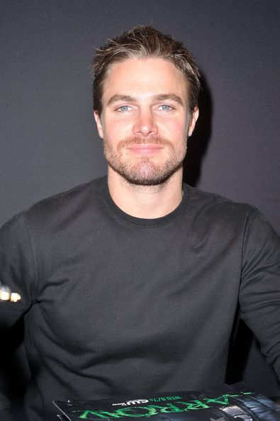 Stephen Amell Photo - 2012 New York Comic Con - Day 4