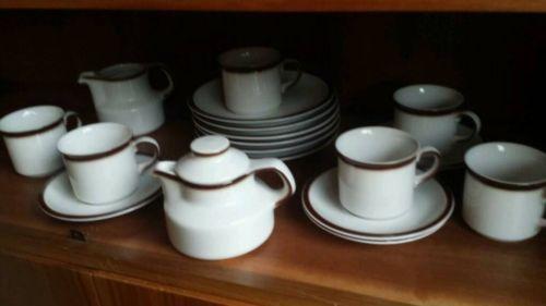 sch nes altes geschirr de4 marke nb form und design exclusiv je 6 kuchenteller kaffeetassen. Black Bedroom Furniture Sets. Home Design Ideas