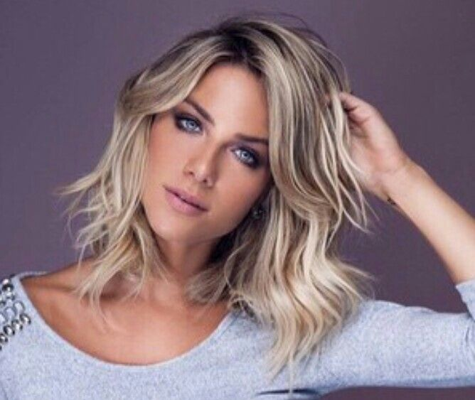 Giovanna Ewbank hair 2015