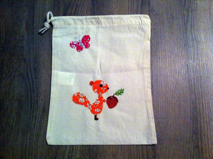 sac à doudou en coton pour enfant , écureuil et son gland orange liberty et paillette : Sacs enfants par nessymatriochka