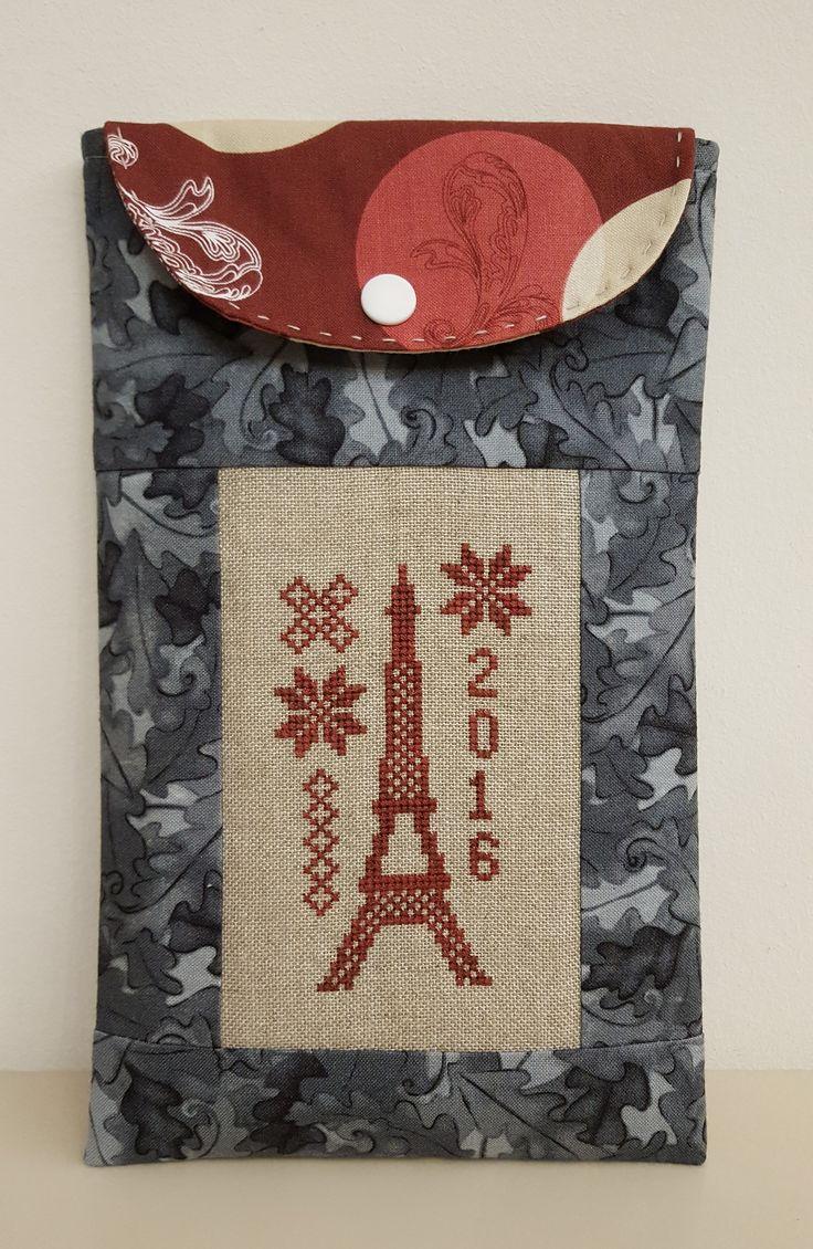 Eiffel-tornyos tároló a párizsi emlékeknek