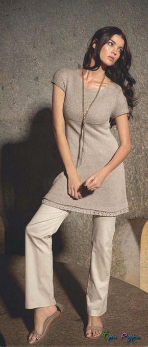 Платье вязаное спицами — самая женственная одежда