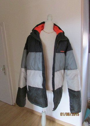 À vendre sur #vintedfrance ! http://www.vinted.fr/mode-hommes/parkas-et-doudounes/27317513-doudoune-homme-quiksilver-gris-et-noir-txl