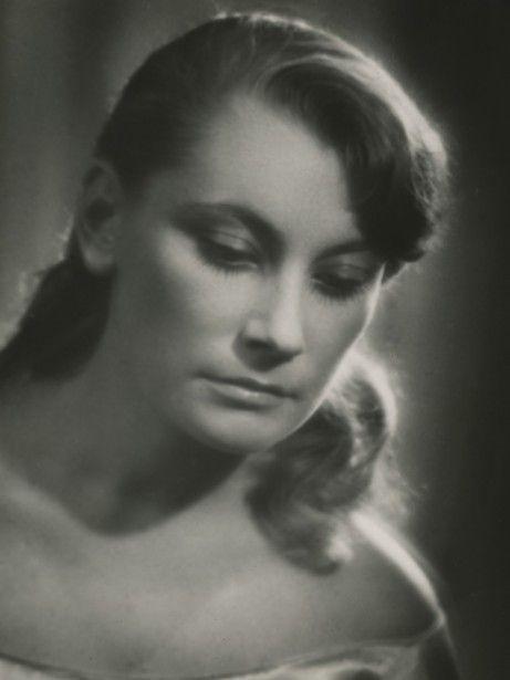 Barbara Horowianka http://www.cyfrowemuzeum.stary.pl/przedstawienie/167/hamlet/fotografie/3/1/3293