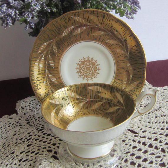Coalport Gold with Leaves Wide Mouth Bone China Tea Cup and Saucer - Made in England