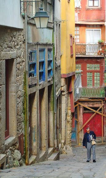 Rua de Sant'Ana no Porto www.webook.pt #webookporto #porto #rua #ruasdoporto