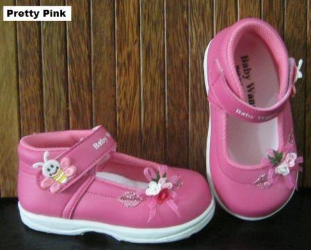 #Sepatu Anak Baby Wang (Pretty pink) ~ 105ribu ~ Size : Ukuran Sol dalam (panjang kaki anak) : No. 3 : Sol 13cm (Umur 1 - 1,5 thn) No. 4 : Sol 13,5cm (Umur 1,5 - 2thn) No. 5 : Sol 14cm (Umur 2 - 2,5 thn) No. 6 : Sol 14,5cm (Umur 2,5 - 3thn)