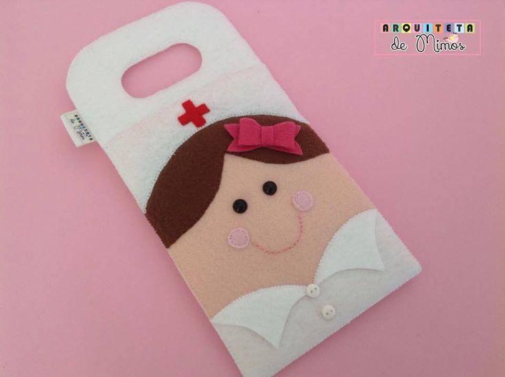 Porta carregador de celular enfermeira