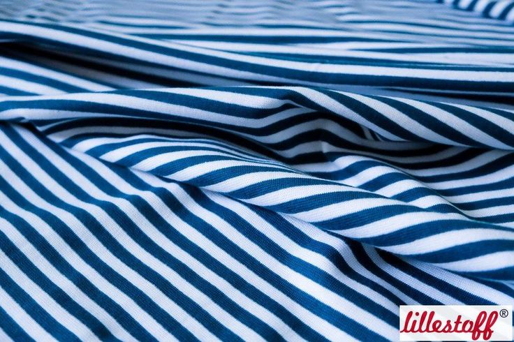 lillestoff » Bündchen glatt, dunkelblau/weiß « // hier erhältlich: http://www.lillestoff.com/buendchen-glatt-dunkelblauweiss-4337.html