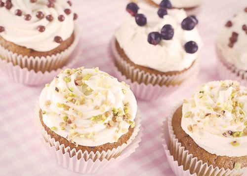 Cupcake pistacjowy z frostingiem Chantilly