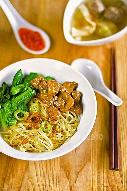 Mie ayam (chicken noodle Indonesian style)