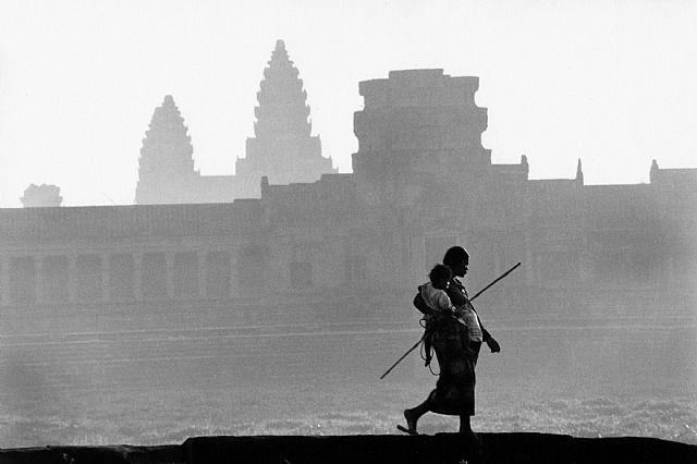 Angkor, 1990 by Marc Riboud