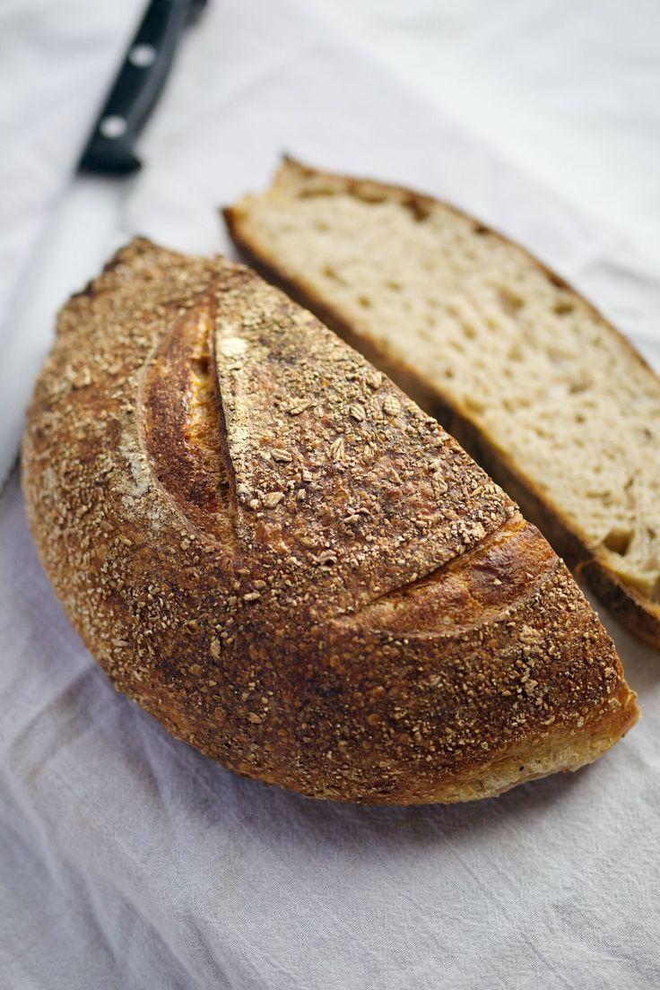食物繊維も豊富でヘルシーなライ麦パン。ダイエットに最適。