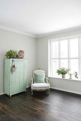 light gray walls, dark floor, pale green, love it