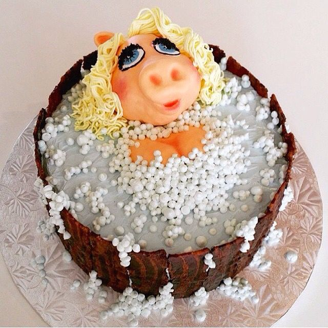 Miss Piggy Feeling Sassy In Her Bacon Barrel Bubble Bath Happy
