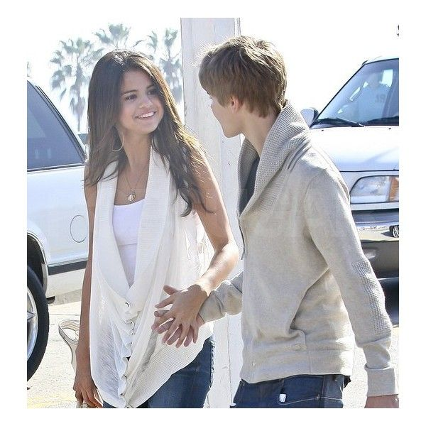 Pictures of Selena Gomez and Justin Bieber Holding Hands in LA Page 3 ❤ liked on Polyvore featuring jelena, justin bieber, couples, pictures and selena