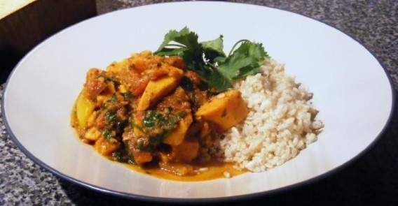 vegetarian curry with spinach and sweet potato