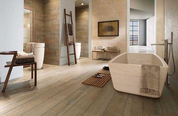 Het grote voordeel van de houtlook tegels is dat ze waterbestendig zijn, waardoor je onbezorgd kunt genieten van het nemen van een warme douche. Nog minder zorgen heb je omdat tegels erg duurzaam zijn, en je dus jarenlang kan genieten van de houtsfeer in de badkamer. Daarnaast is vloerverwarming mogelijk. Hierdoor heb je meer ruimte in de badkamer omdat de radiator overbodig is en misschien nog wel het belangrijkste: nooit meer op zien tegen het betreden van die koude badkamervloer.
