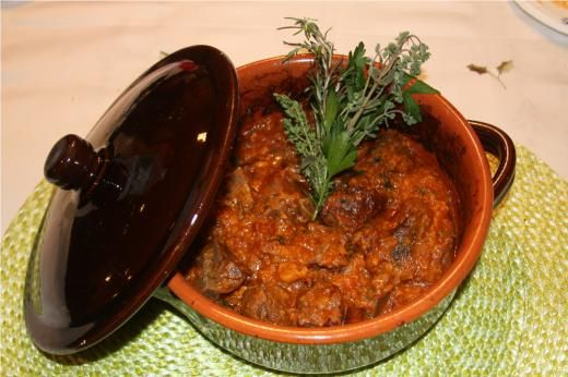 Tiella di Spezzatino di Agnello con Patate (Lamb Stew with Potatoes) - See more at: http://www.cookingwithnonna.com/italian-cuisine/lamb-stew-with-potatoes.html#sthash.ECowL2Wk.dpuf