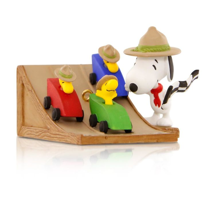 Hallmark 2015 Peanuts® The Race Is On! Snoopy's Beagle Scouts Pinewood Derby Ornament