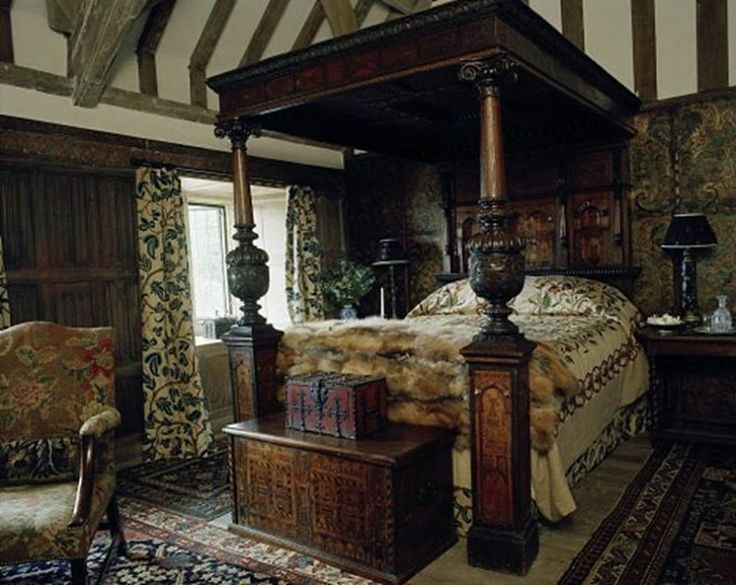 timbered bedroomwiltshire house of gela nash taylor and john taylor habitually chic wonderful in wiltshirelove this bedroom style jt - Old World Design Homes