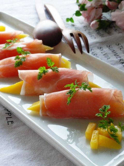 マンゴー&チーズの生ハム巻き。   美肌レシピ