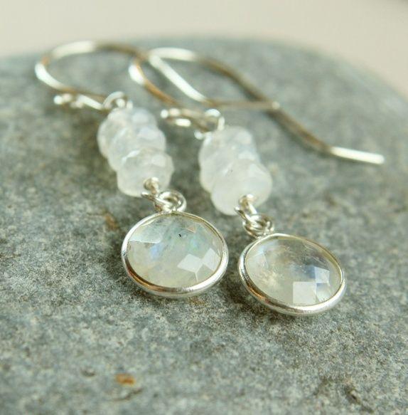 Eplabiter - Earrings white moonstone - silver Øredobber   -   hvit månestein  - sølv https://epla.no/shops/hildes/