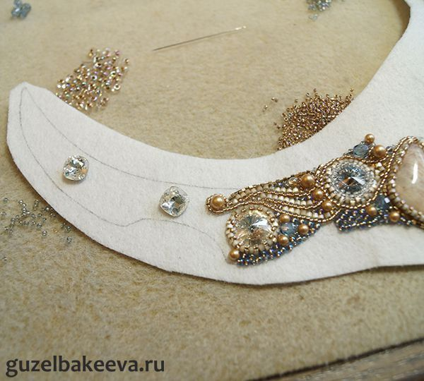 Step by step shows layout for elaborate embroidered necklace. Translate for details ~ Seed Bead Tutorials